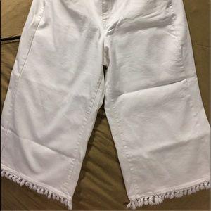 Lane Bryant white jean capris